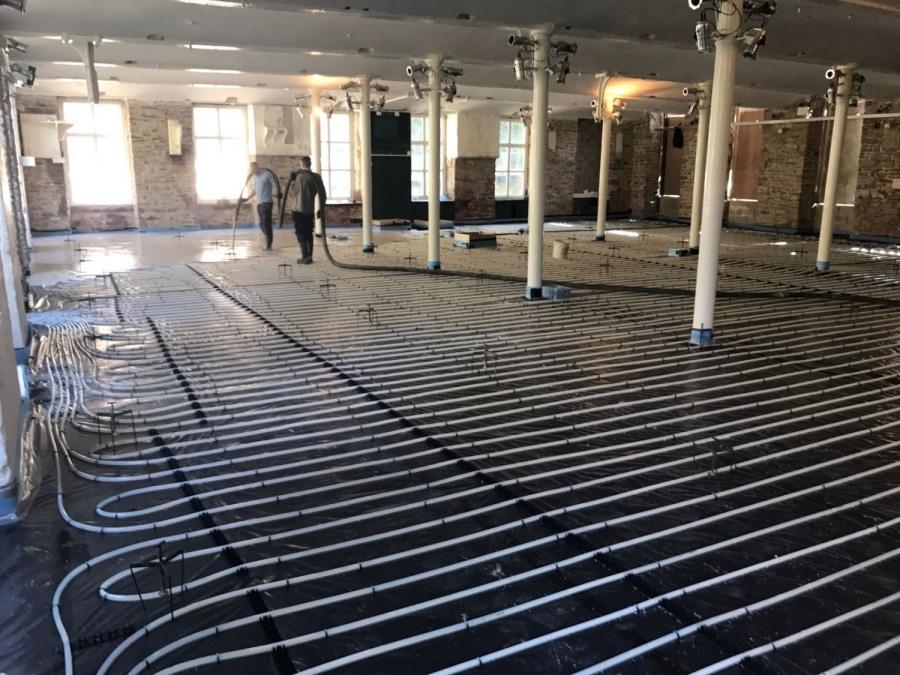 Underfloor heating system in building